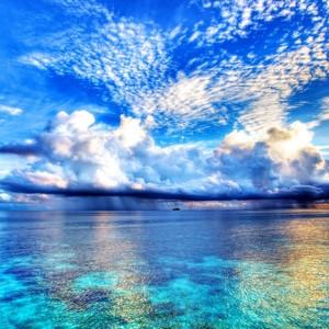 海が青い理由