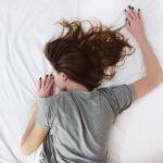 寝苦しいのは暑いから?対策グッズを使って安眠を勝ち取ろう!