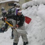 雪かきのタイミングや時間はいつ?どのくらい雪が積もったらやる?