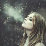 息が白くなる温度は何度から?白くなる理由や意味は?
